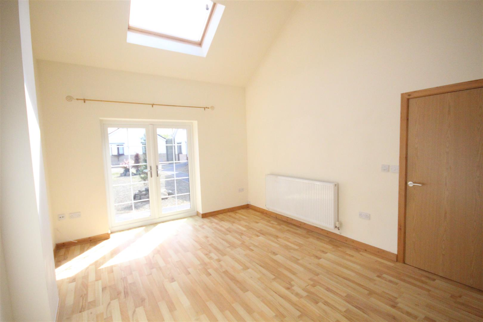 2 bedroom bungalow For Sale in Colne - IMG_3341.jpg